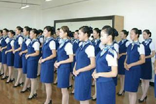 四川初中毕业能不能考空乘职业学校